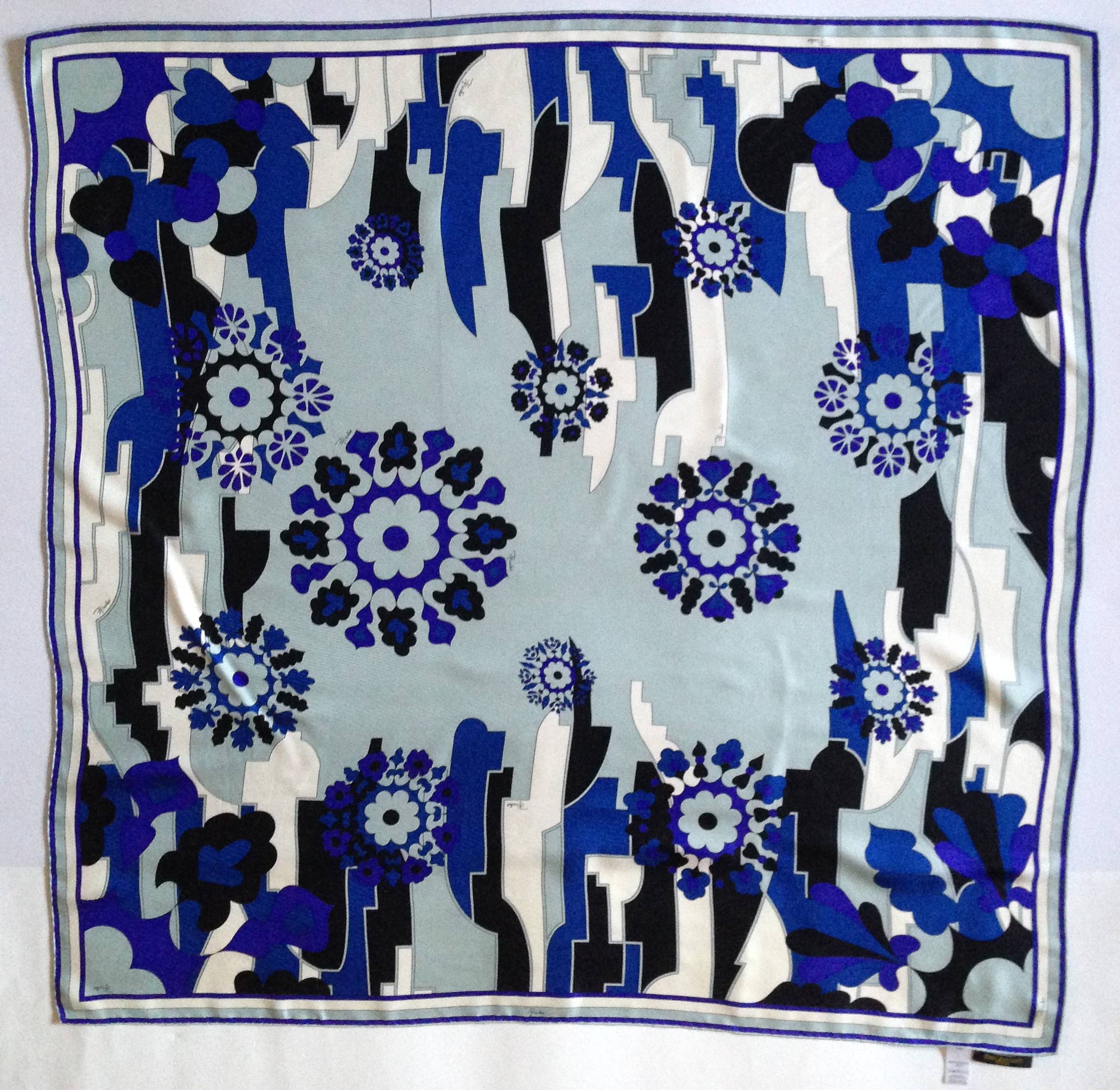 Valentine\'s Day Gift Ideas: Vintage Scarves for Sale - Dancing in my ...